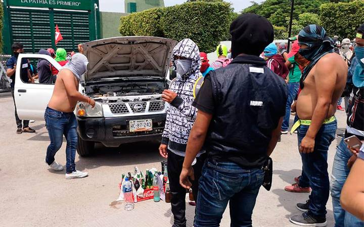 Ayotzinapa ataque cuartel infantería