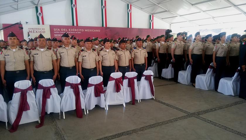 López Obrador preside en Coahuila conmemoración del Día del Ejército