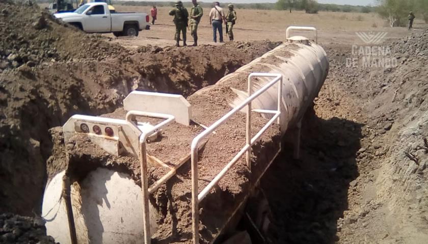SEMAR ASEGURA DOS TANQUES CISTERNA CON 48 MIL LITROS DE HIDROCARBURO EN PÁNUCO, VERACRUZ